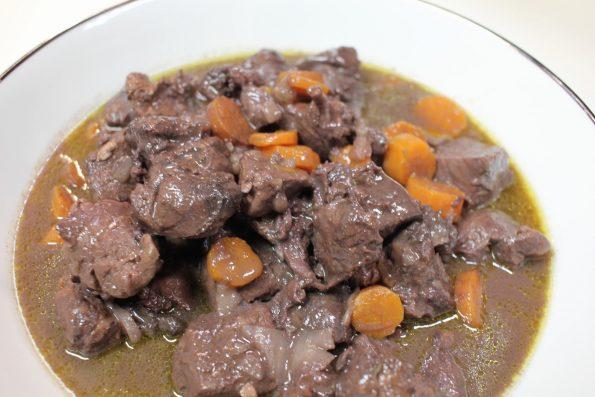 civet de chevreuil sauce grand veneur