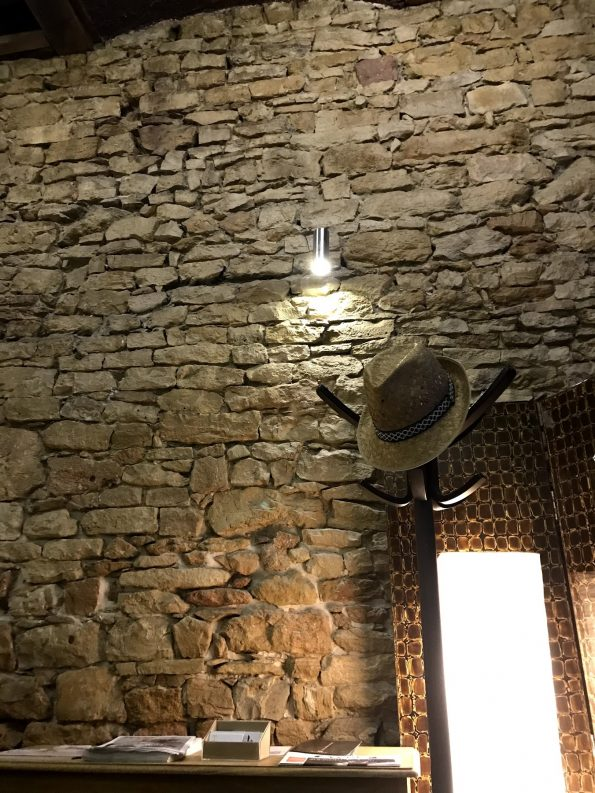 mur pierre Tomo Lyon