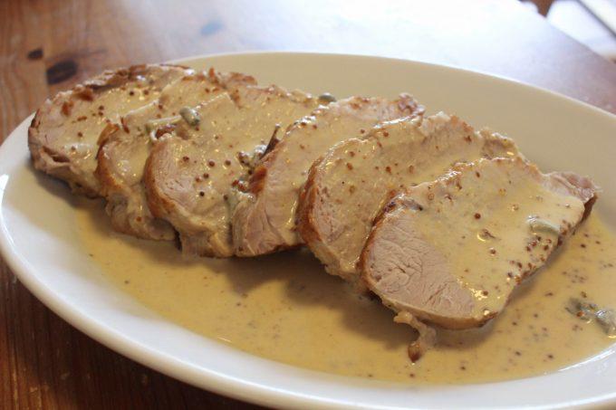 Rôti de porc à la sauce moutarde