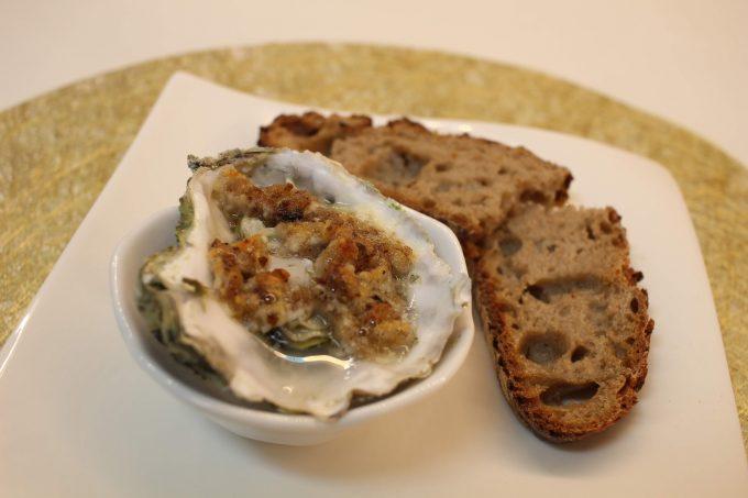 huîtres gratinées au au crumble de pain de seigle